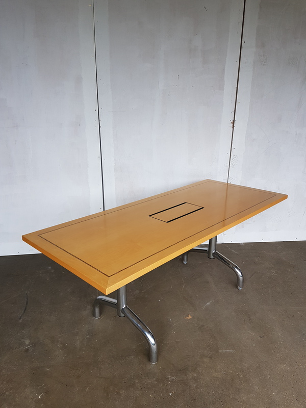 2800 x 1200mm Tula rectangular Boardroom table (CE)