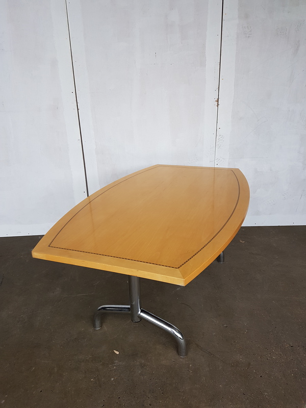 1600 x 1000mm Tula boat shaped Boardroom table CE
