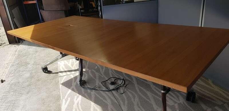 2600 x 1200 mm Wilkhahn Confair veneer mobile folding tables