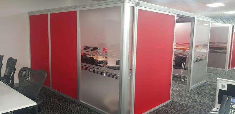 4400x4100mm red Orangebox Airea 220 meeting pod