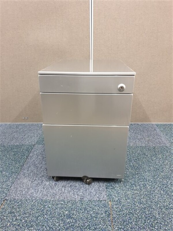 Grey metal gloss finish pedestal
