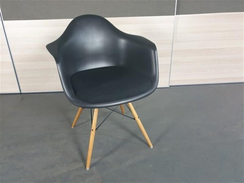 Vitra eames DAW tub style chair