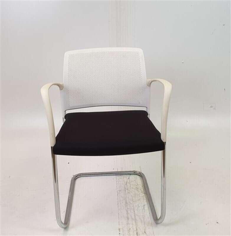Boss Mars Cantilever Chair