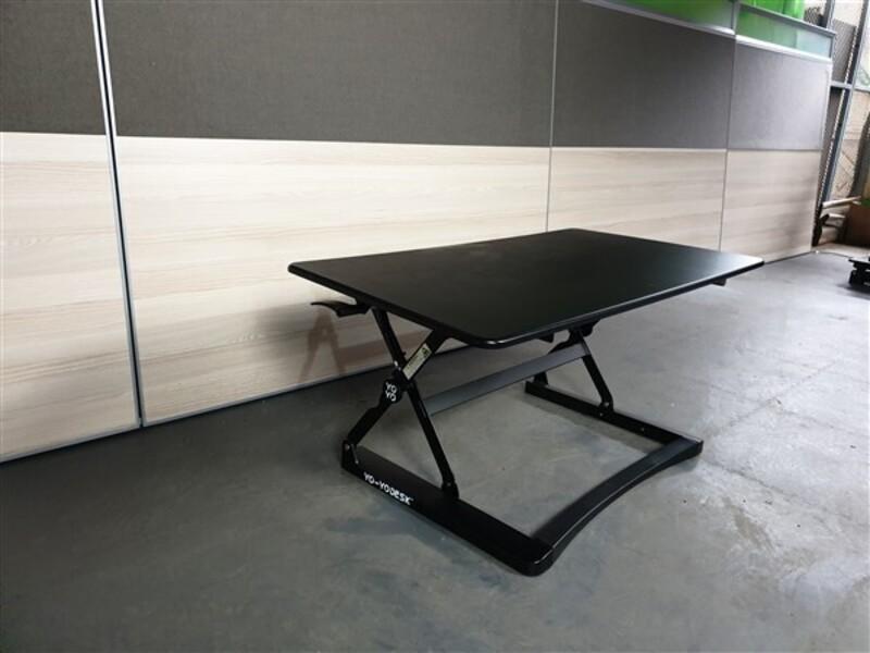 YoYo Classic Sit Stand Angled Desk Black
