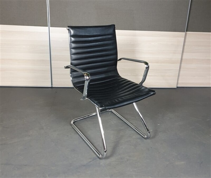 Black Leather Meeting Chair Chrome Frame