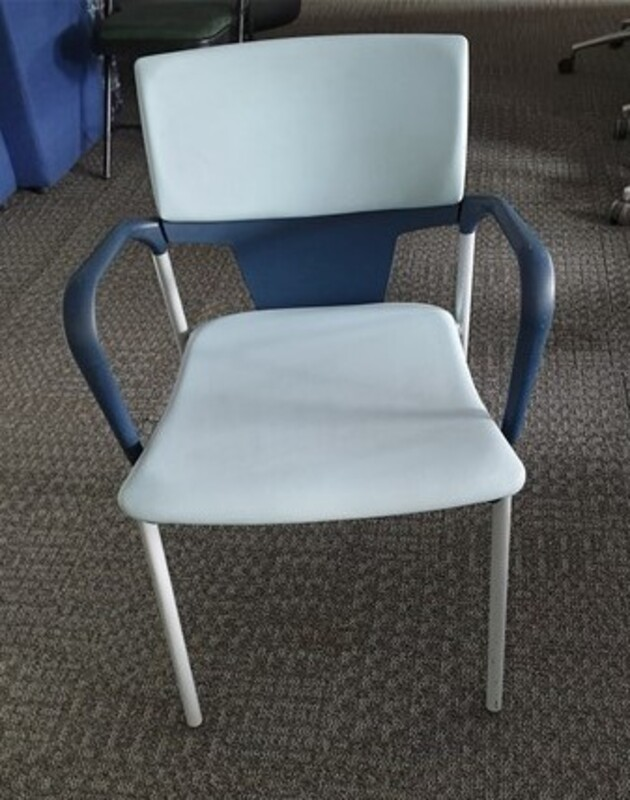 Dark blue / light blue stacking chairs