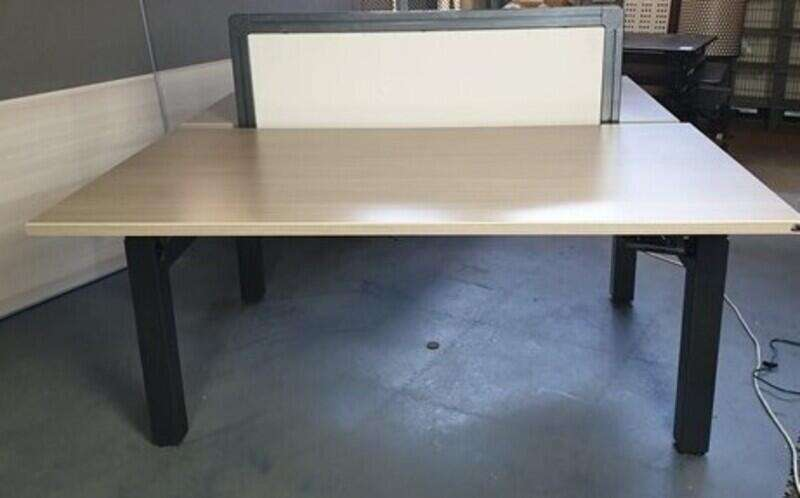 Talo.S Height adjustable bench desks