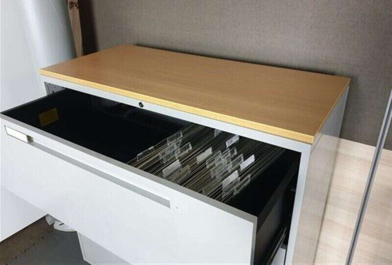 Grey metal oak top side filer