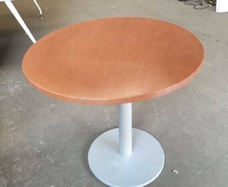 Cherry wood circular table