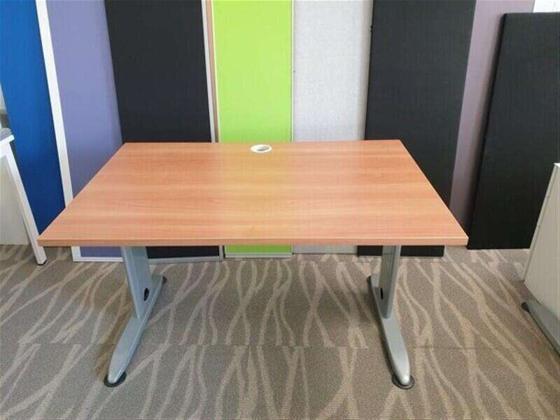 Basic Package of desk and chair