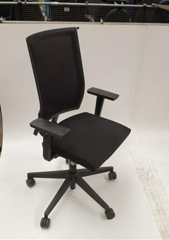 Bene black mesh back chair