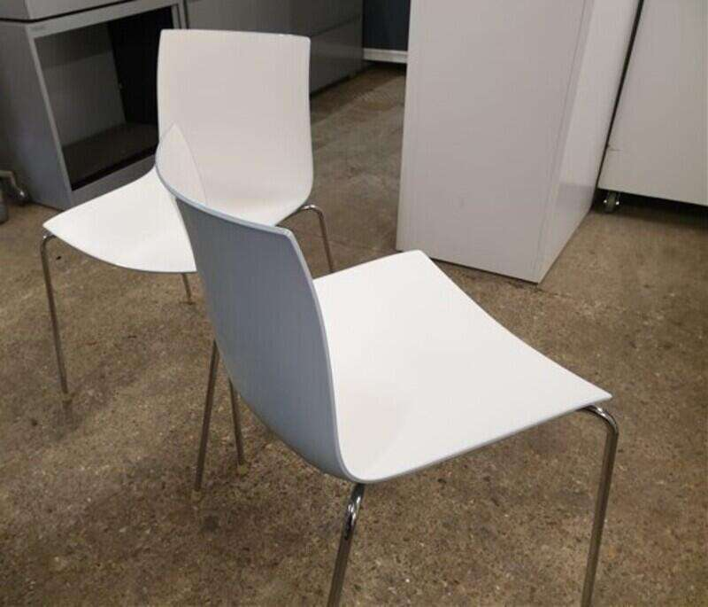 Arper Catifa 46 white/colour shell stacking canteen chairs