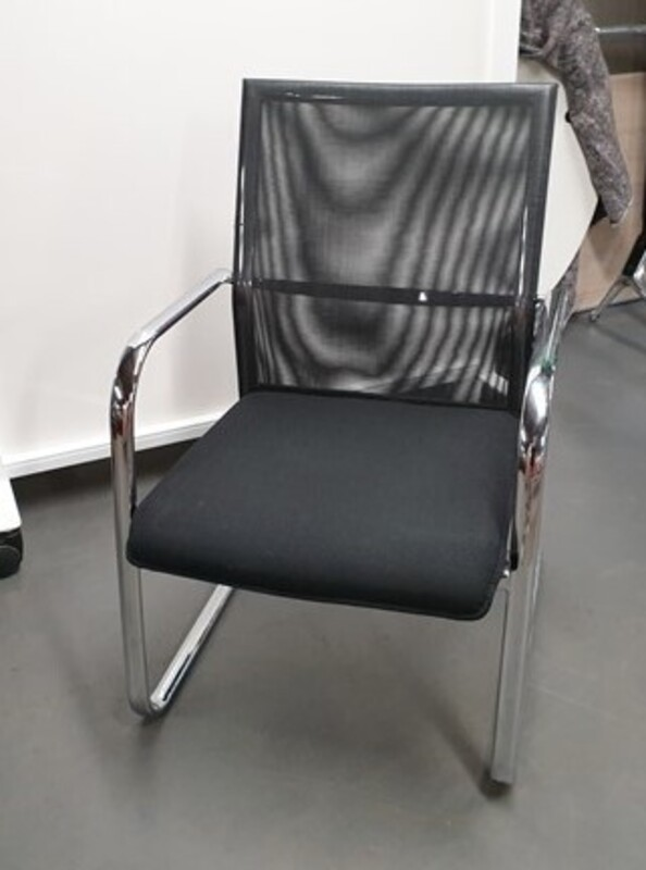 Dauphin Cantilever chair