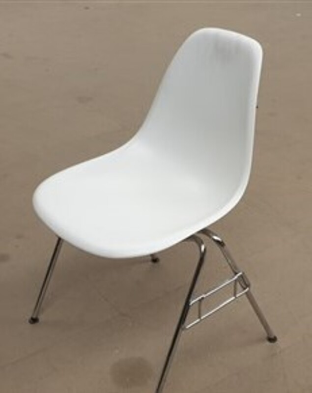 Vitra DSS white plastic stacking side chair with links