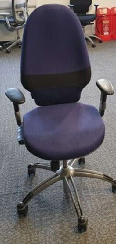 Blue RH Logic 100 Extend task chair