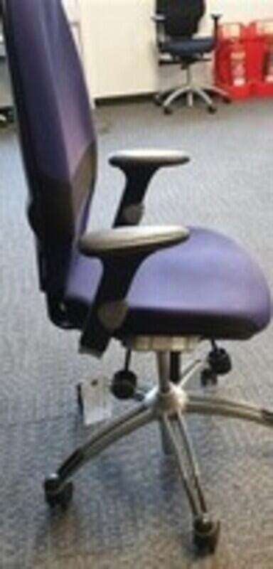 Blue RH Logic 100 Extend task chair