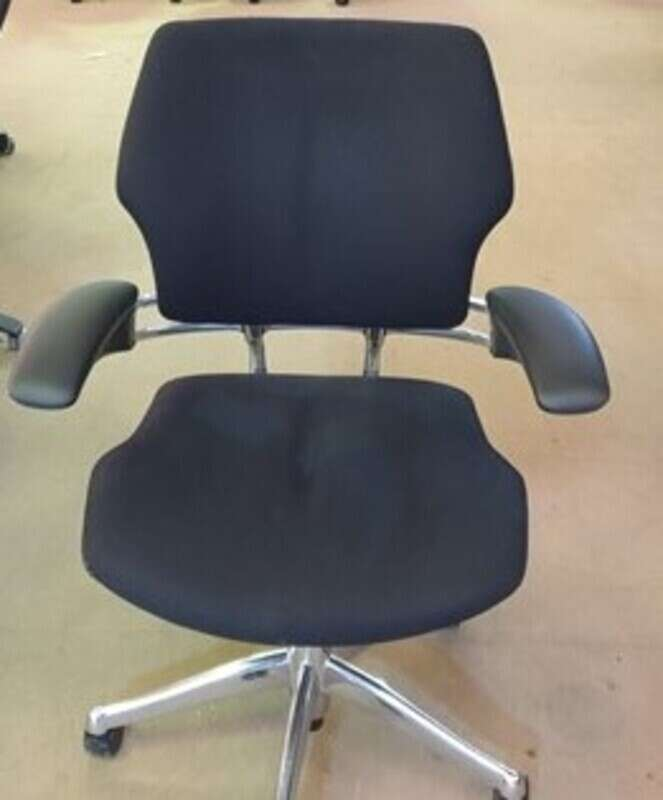 Humanscale Freedom mid-back task chair in black/chrome