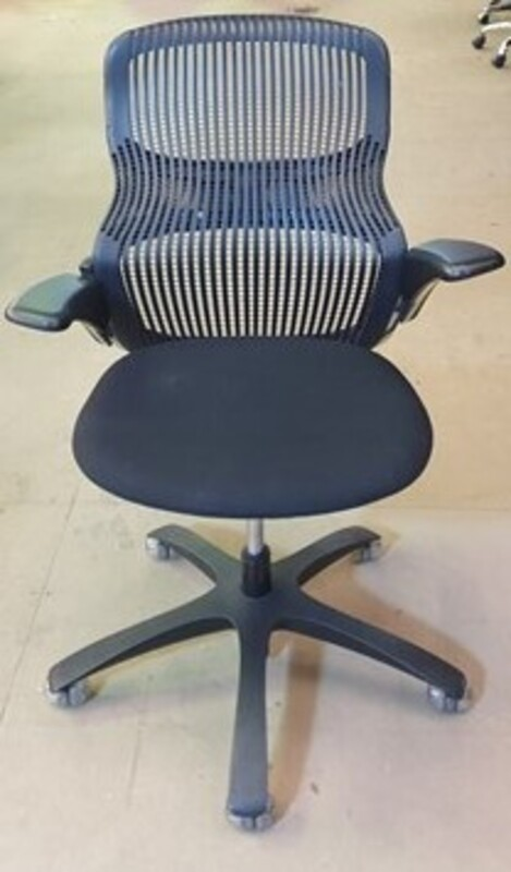 Black back Knoll Generation task chair
