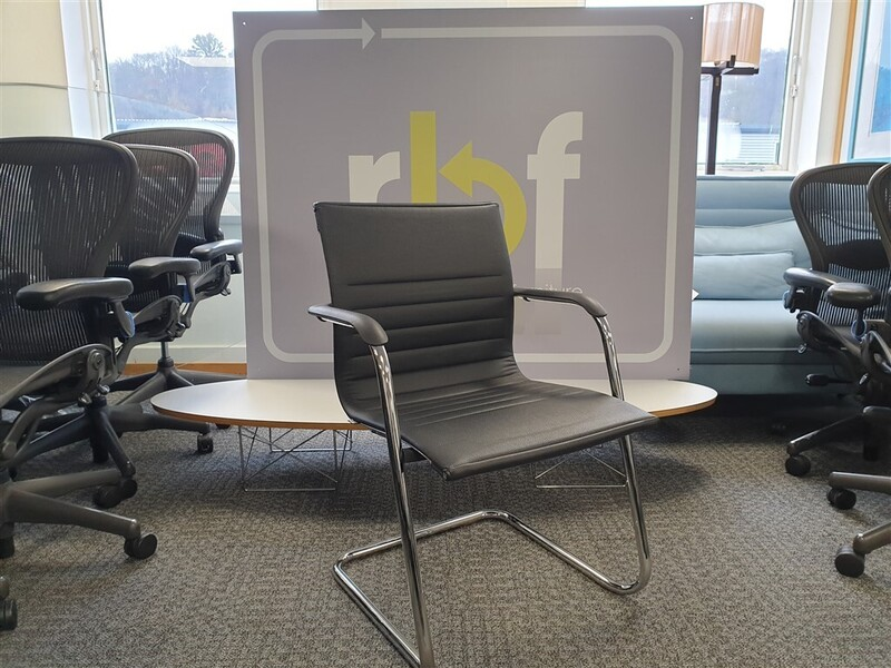 ICF Black leather meeting chair