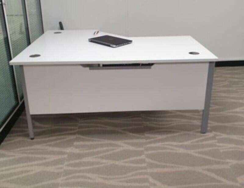 White corner desk right handed