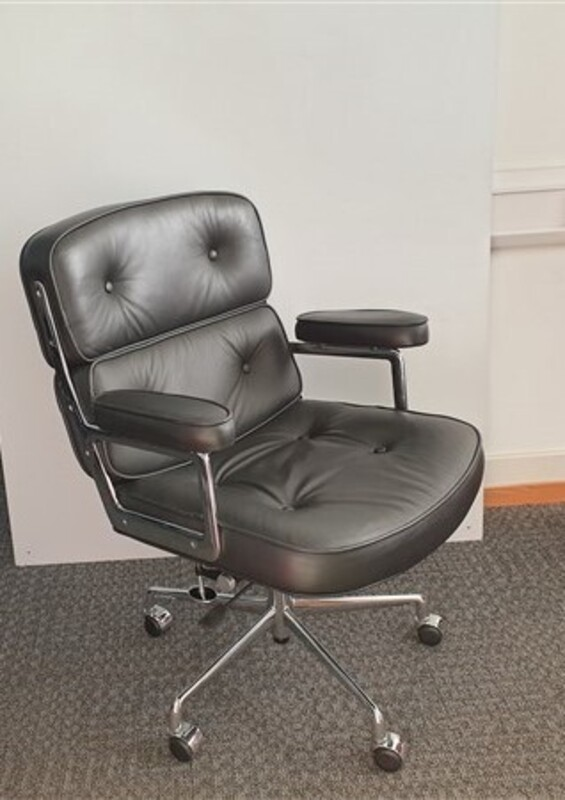 Black faux leather Eames Lobby Chair Replica