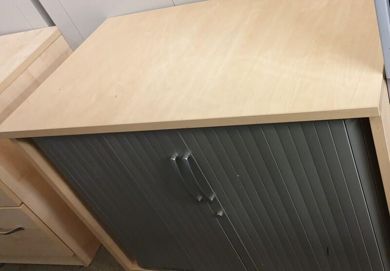 Maple tambour grey doors