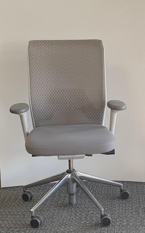 Vitra ID mesh task chair