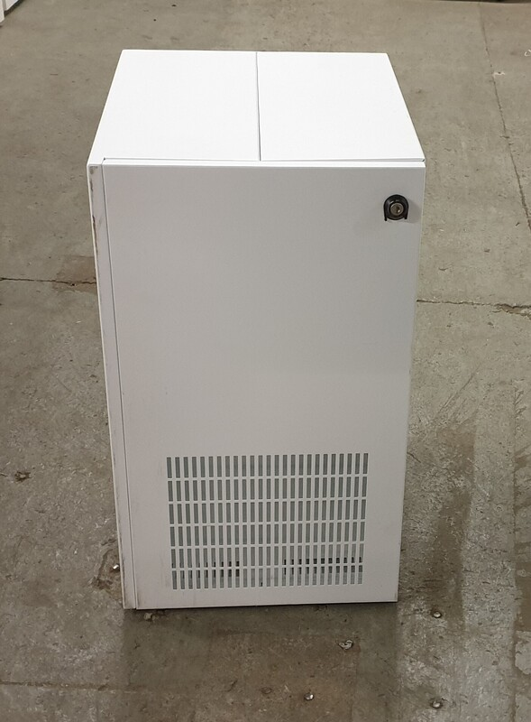 White metal CPU/Server Cabinets
