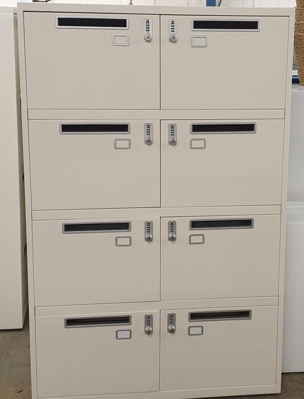 8 unit locker