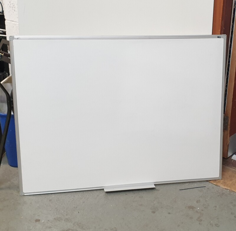 Wall mounted whiteboard