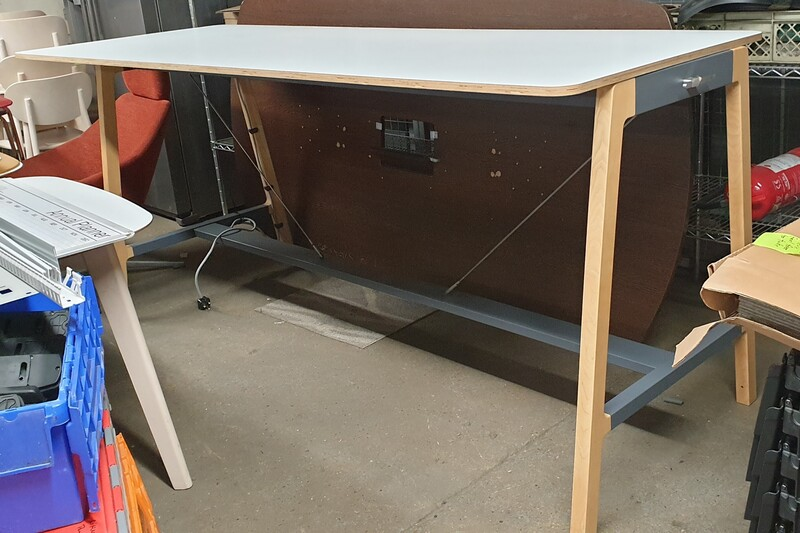 Senator Silta Oak Poseur Table with USB