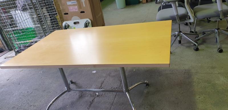 Maple veneer boardroom table