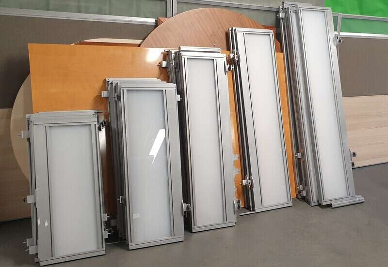 Screens with aluminium trim and frosted perspex