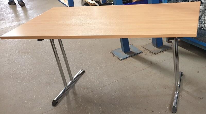 Beech folding table 1500w