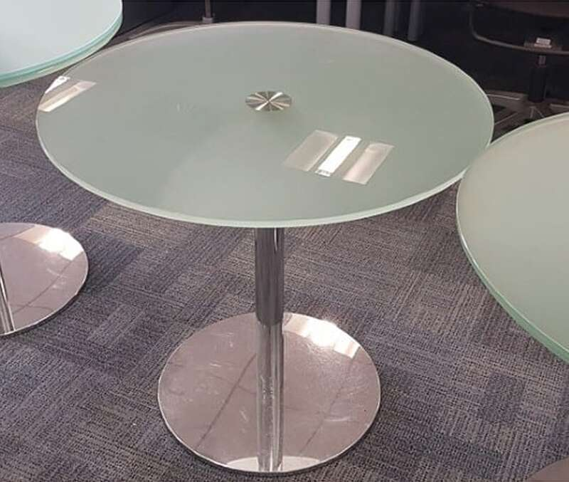 800mm diameter frosted glass tables