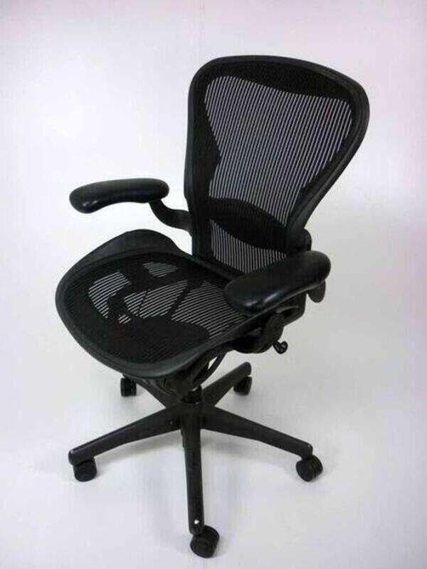 Herman Miller graphite Aeron task chair size A