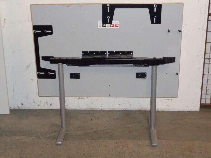 Maple flip top table 1200w