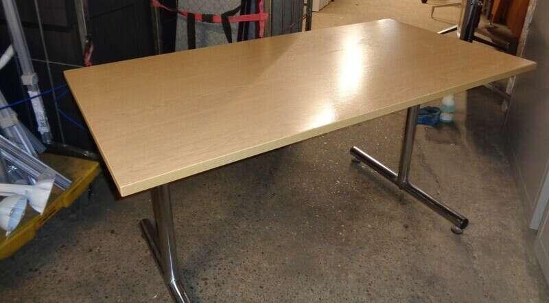 Oak flip top table 1500w