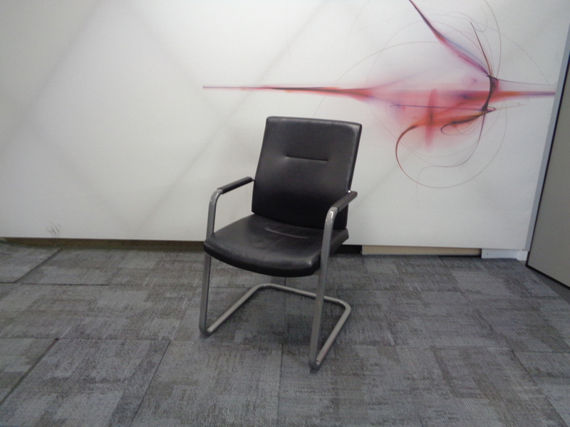 Connection leather meeting chair