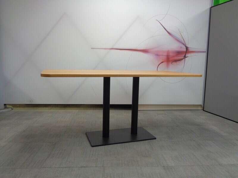 Oak top table 1650w