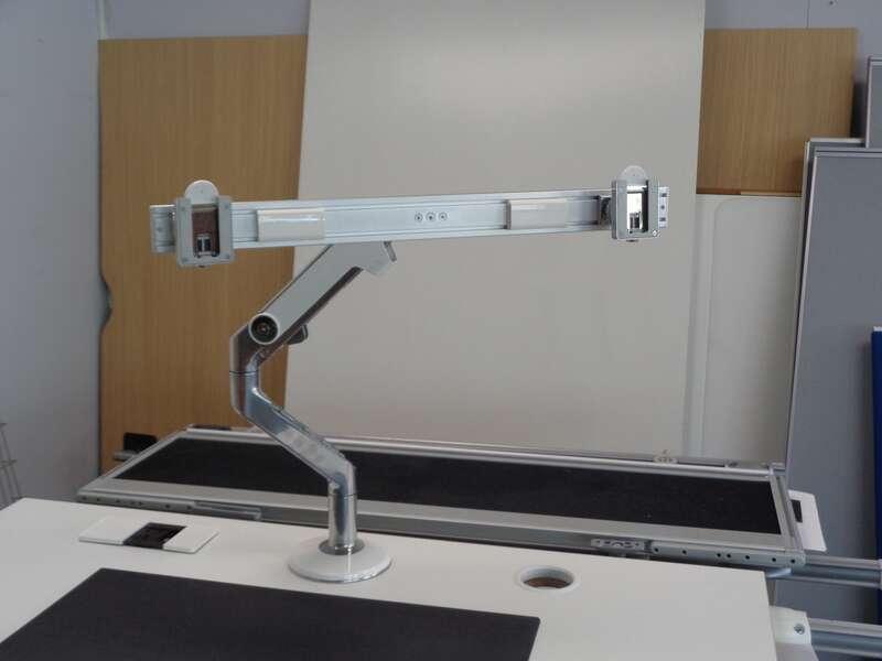 Humanscale M flex single monitor arm