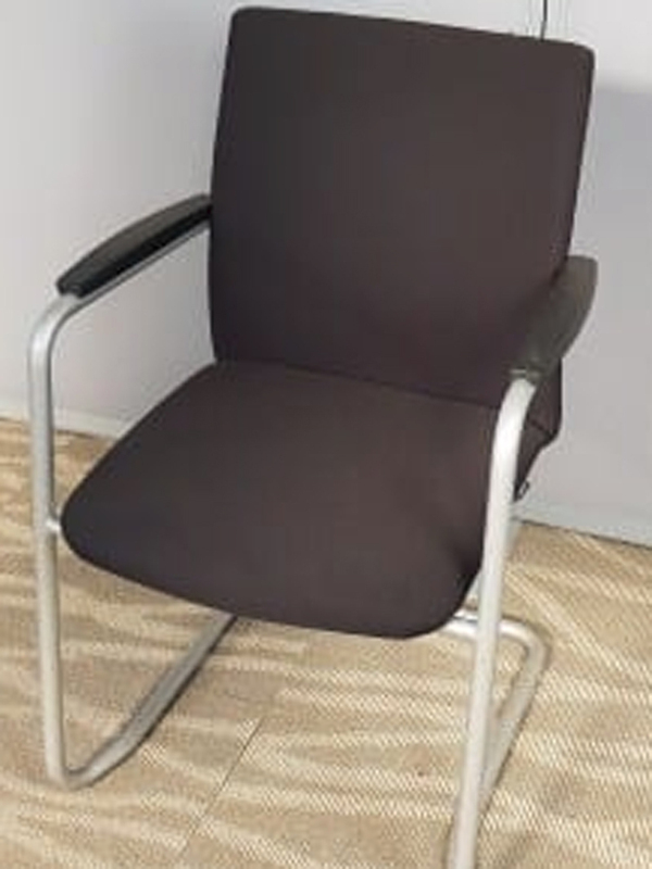 Haworth D5588 black stacking meeting chairs