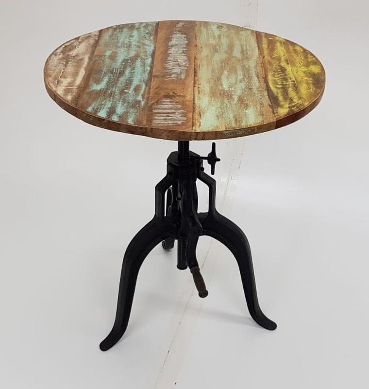 Interlink SAS Fundos height adjustable cafe tables