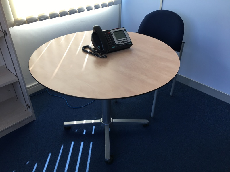 900mm diameter Mobile meeting table