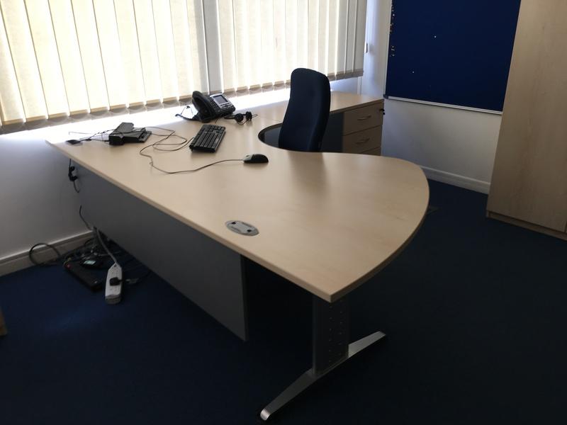FFC Balencia executive workstation