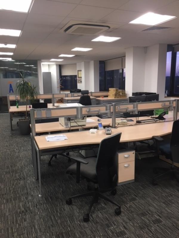 1400mm Ofquest Neo Evolution compact maple desks
