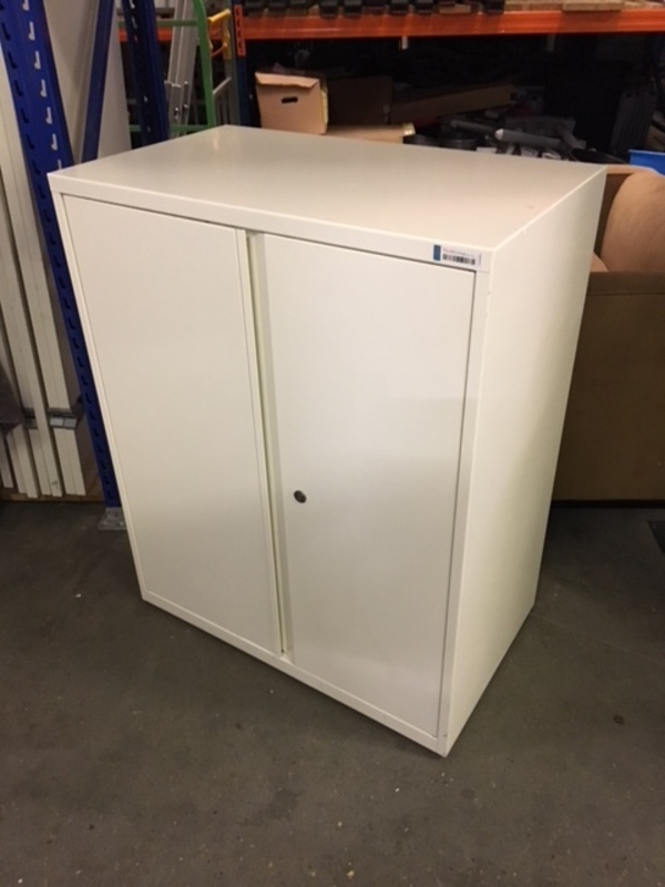 1000mm high white metal double door cupboard