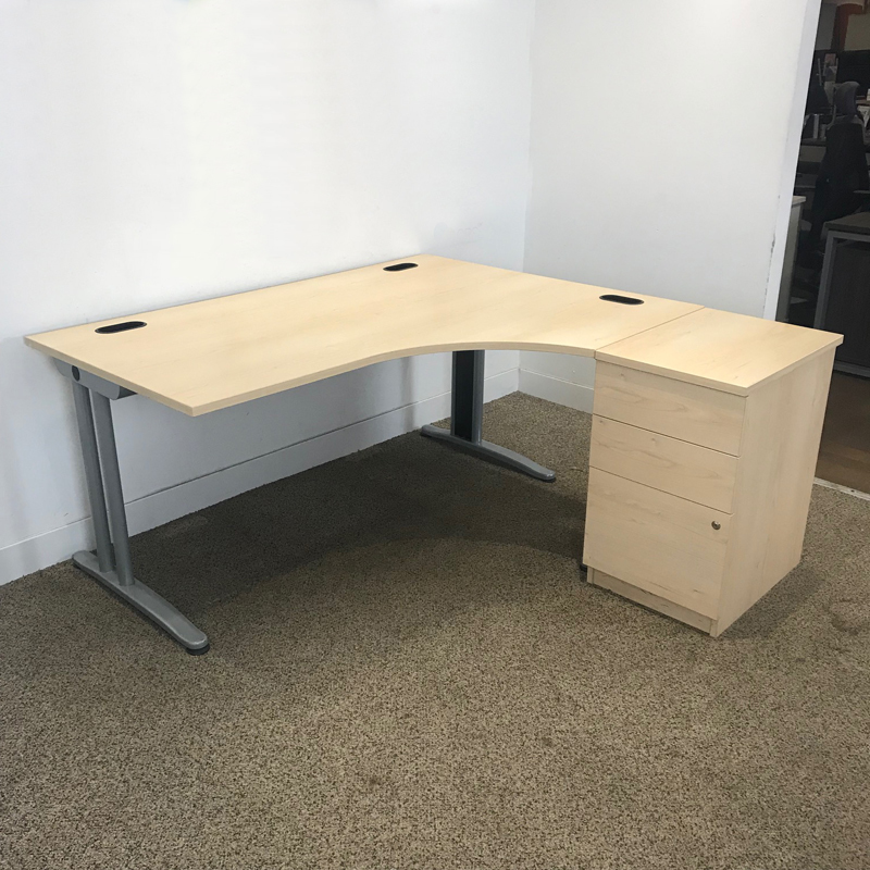 1600x1200mm maple Senator Jigsaw desk & pedestal