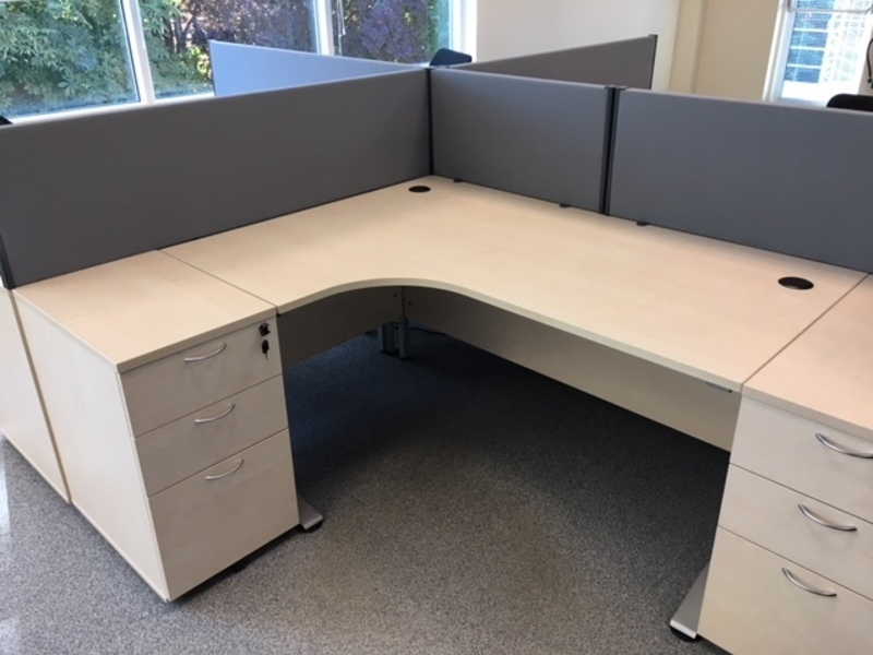 Maple 1600x1200mm radial workstation and pedestal