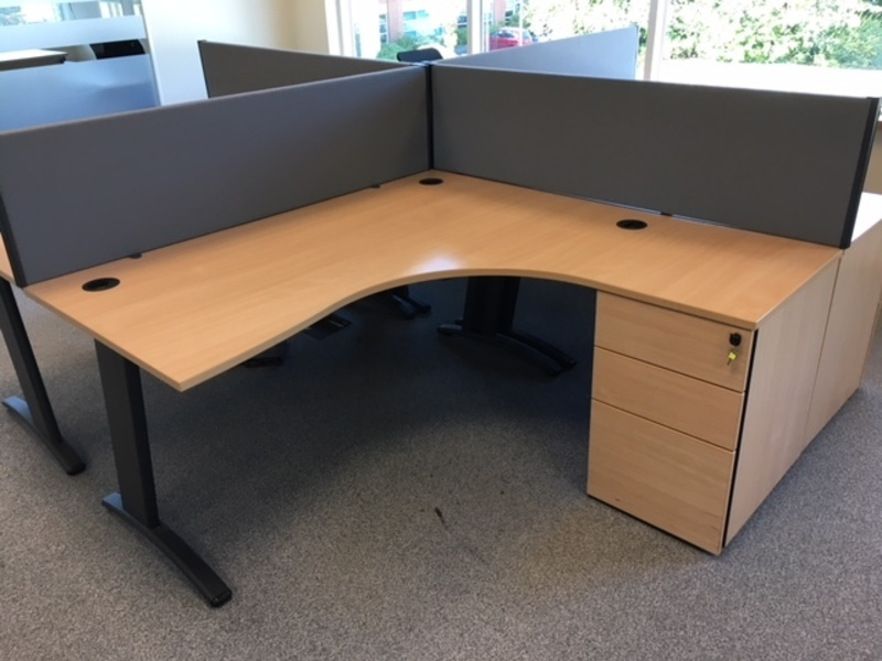 Beech Verco Visual 1600x1600mm combi desk